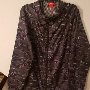 Nike Camo Lightweight Windbreaker Jacket